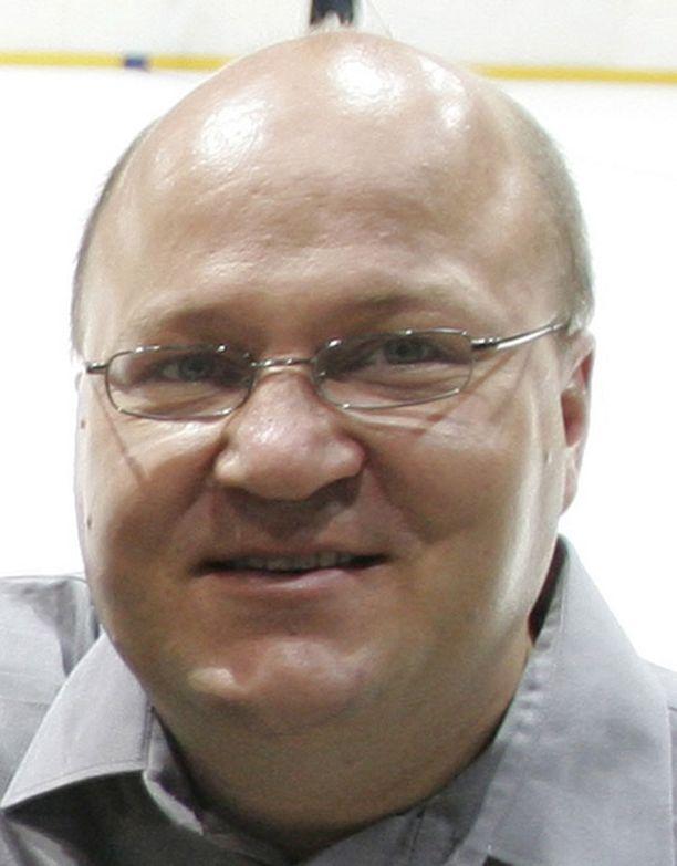 Jukka Holtari aloittaa pelaajatarkkailijana Leijonissa.
