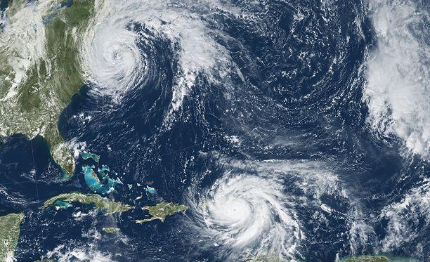 Maria (alempana) liikkuu tällä hetkellä Puerto Ricon päällä. Ylempänä on liikkeellä nyt jo heikentynyt hurrikaani Jose.