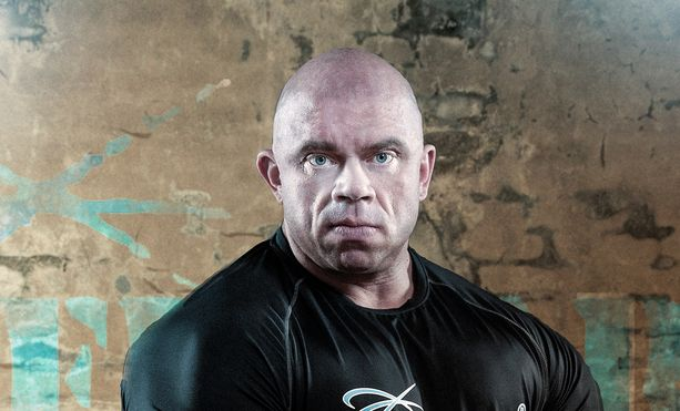 """Jari """"Bull"""" Mentula ei ole mukana tässä laihdutusohjelmassa. Kuntosaliyrittäjä, kehonrakentaja kertoi Iltalehdelle, että hänen mielestään tämä formaatti kaipasi jotain uutta."""
