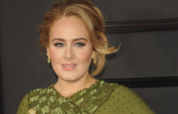 Adele tunnetaan esimerkiksi kappaleistaan Hello, Rolling in the Deep ja Someone Like You.