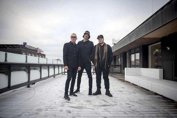 Bomfunk MC's palaa alkuperäiskokoonpanossaan. Gismo (oikealla) on tehnyt lopettamisen jälkeen dj-keikkaa Suomessa ja järjestänyt klubeja.