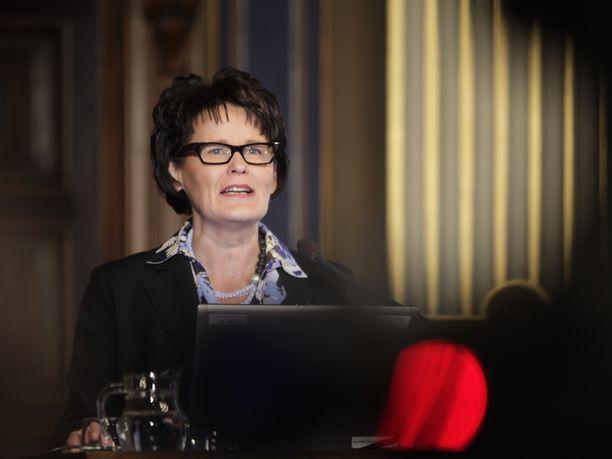 Kaupunginjohtaja Päivi Laajala kuuli Iltalehdeltä uusista seksuaalirikosepäilyistä. Hän sanoo olevansa järkyttynyt. Arkistokuva.