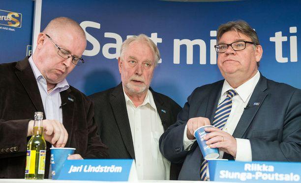 Jari Lindström, Matti Putkonen ja Timo Soini.