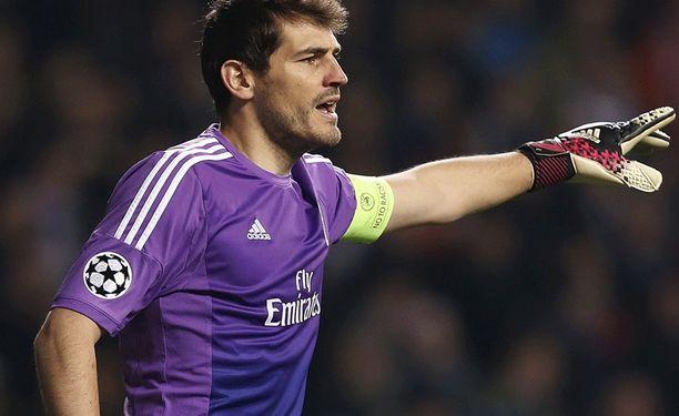Diego Lopez on vienyt Iker Casillasin (kuvassa) peliajan.