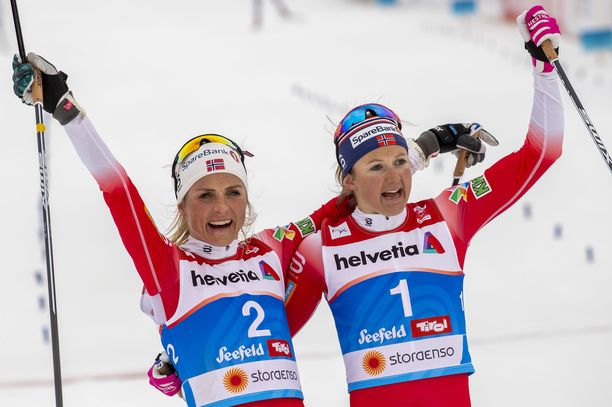 Therese Johaug ja Ingvild Flugstad Östberg vuolivat mitaleita MM-Seefeldissä.