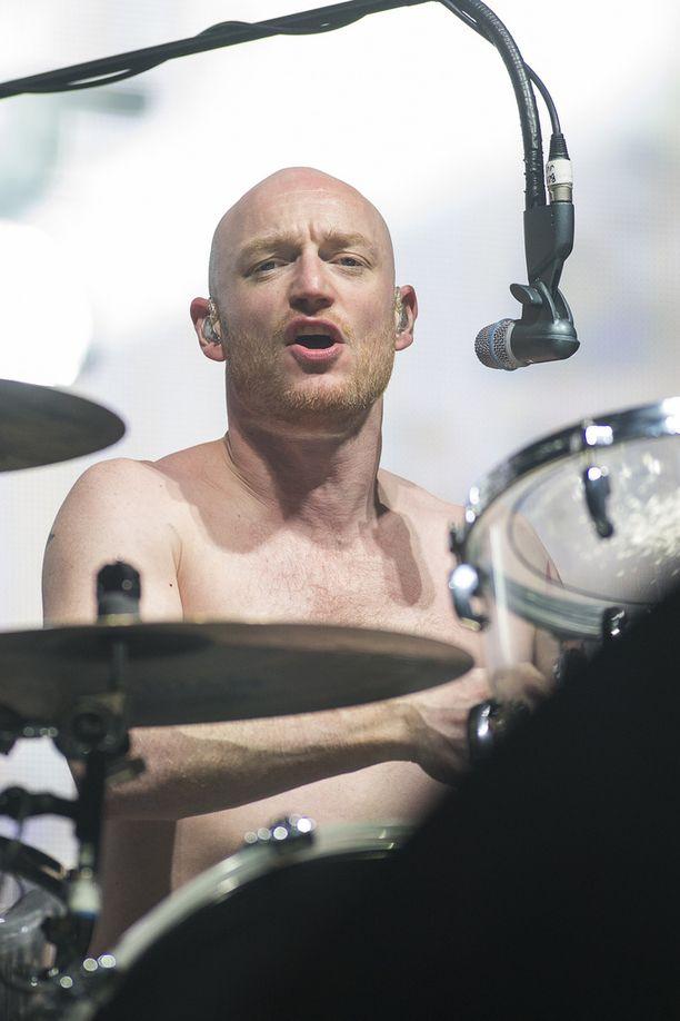 Ben Johnston on yhtyeen rumpali.