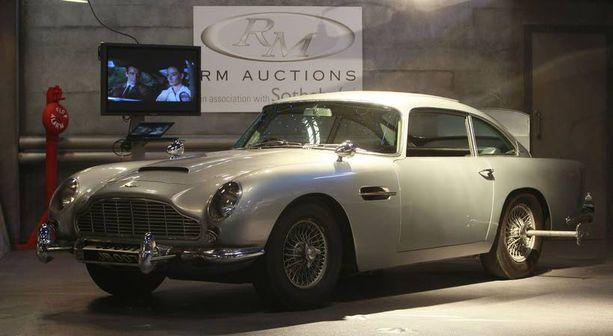 Aston Martin DB5 esiintyi Bond-elokuvissa 007 ja Kultasormi sekä Pallosalama.