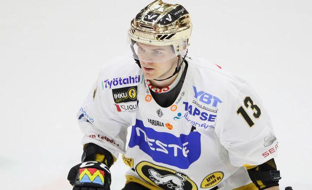 Julius Junttila valittiin runkosarjan parhaaksi pelaajaksi.