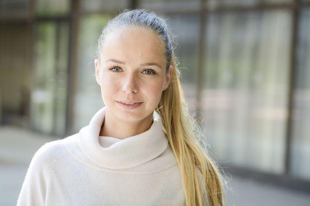 Anna-Julia Kontio poseerasi kuvaajille Helsinki International Horse Show'n lehdistötilaisuudessa Töölössä.