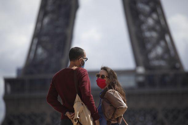 Kasvomaskien käyttö on pakollista Ranskan pääkaupungissa Pariisissa.