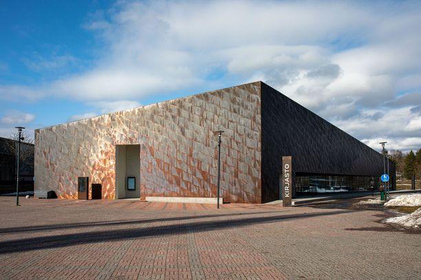Kirkkonummen kirjastotalo Fyyri avattiin yleisölle viime syksynä.