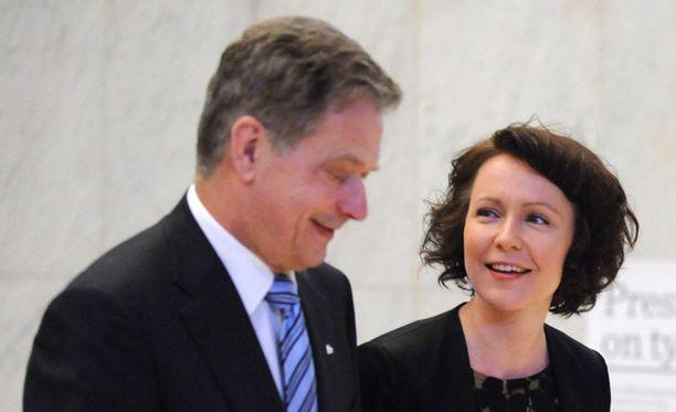 Presidentti Sauli Niinistö ja hänen puolisonsa Jenni Haukio tekevät tänään ensimmäisen maakuntamatkansa Suomen 100-vuotisjuhlavuoden kunniaksi. Presidenttipari vierailee Lapin Inarissa.
