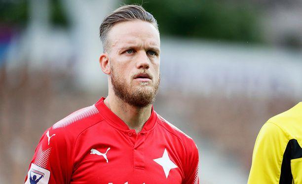 Mika Väyrynen sai valmennuspestin HJK:n reservijoukkueesta.