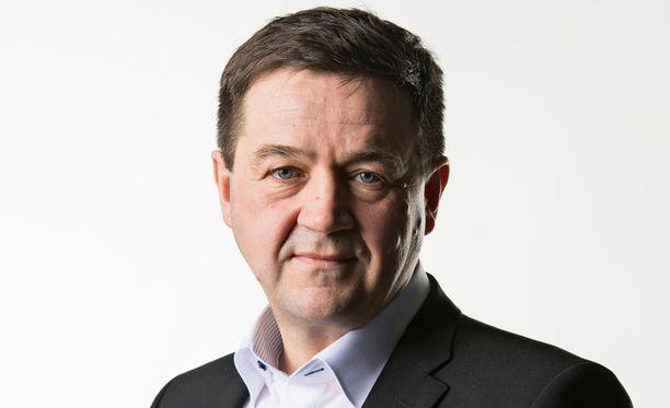 Erikoistoimittaja Olli Ainola.