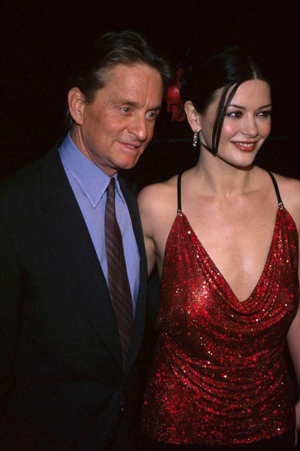 Parin ikäero kohutti varsinkin suhteen alkuvuosina. Kuva vuodelta 2000.