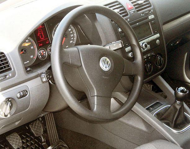 Mittaristo ja kojelauta ovat Volkswagenin laatua.
