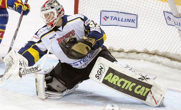 Antti Ore loisti viime viikolla Blues-maalilla.