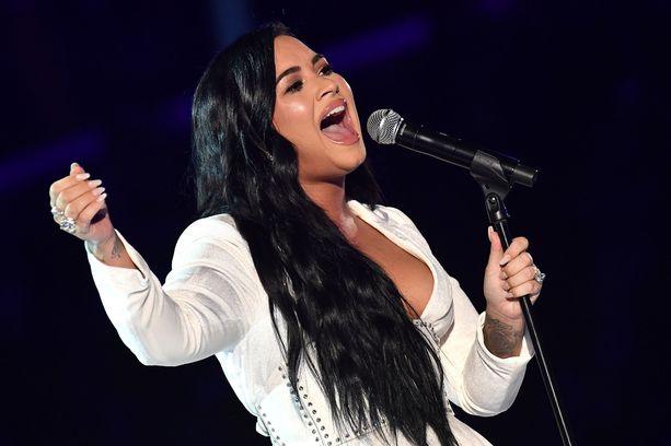 Demi Lovato sai kunnian esiintyä Grammy-gaalassa.