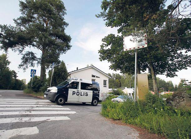 Poliisi tuntee entuudestaan miehen, jonka luvattomalla aseella 4-vuotias ampui Askistossa.