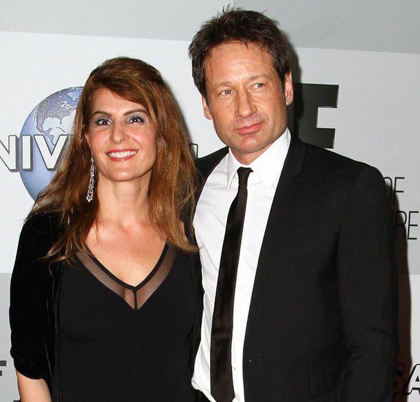 David Duchovny poseerasi Golden Globe -bileissä toissa viikolla näyttelijä Nia Vardalosin kanssa. Duchovny täytti elokuussa 54 vuotta.
