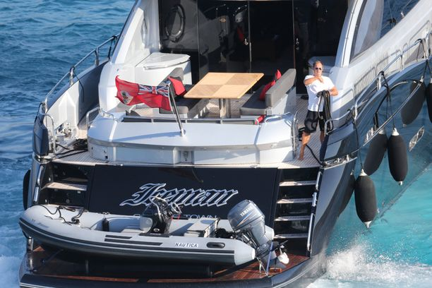 Räikkösen Iceman-vene on myynnissä.