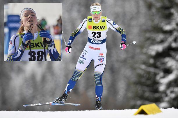 Moa Lundgren (vas.) ja Maja Dahlqvist kolaroivat Tour de Skillä.