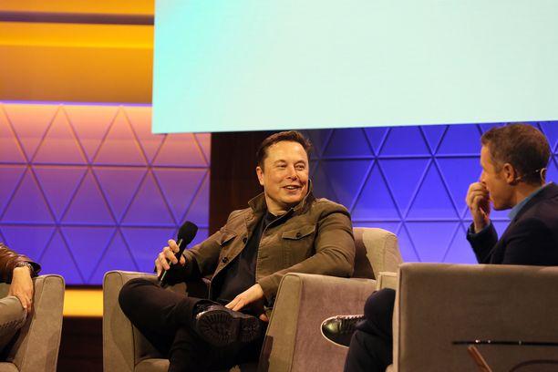 Elon Musk puhui kesäkuussa E3-messuilla, jossa esitellään uusia pelejä ja peliteknologiaa.