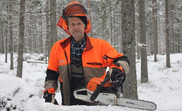 Metsurilegenda Jaakko Pessinen on tunnettu myös voimailutaidonnäytteistä.