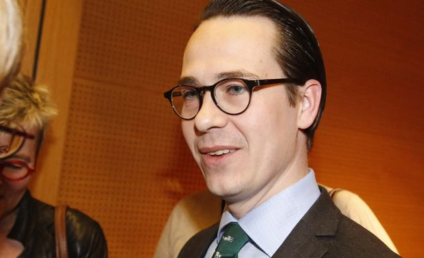 RKP:n puheenjohtaja Carl Haglund epäilee Juha Sipilän (kesk) halunneen konservatiivihallituksen.