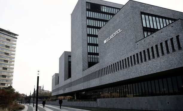 Sektori on Europolin ydintoimintaa vakavan ja järjestäytyneen rikollisuuden torjunnassa, etenkin huumerikollisuuden, laittomia aseita koskevan rikollisuuden ja rikollisjärjestöjen torjunnassa.