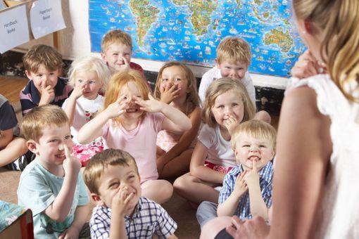 Lapset oppivat paremmin, jos saavat liikkua kesken koulupäivän.