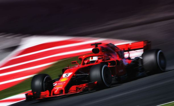 Sebastian Vettel nappasi epävirallisen rataennätyksen nimiinsä.