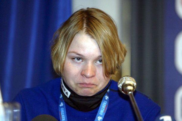Kaisa Varis jätettiin erikoisella tavalla pihalle Torinon olympiajoukkueesta 2006.