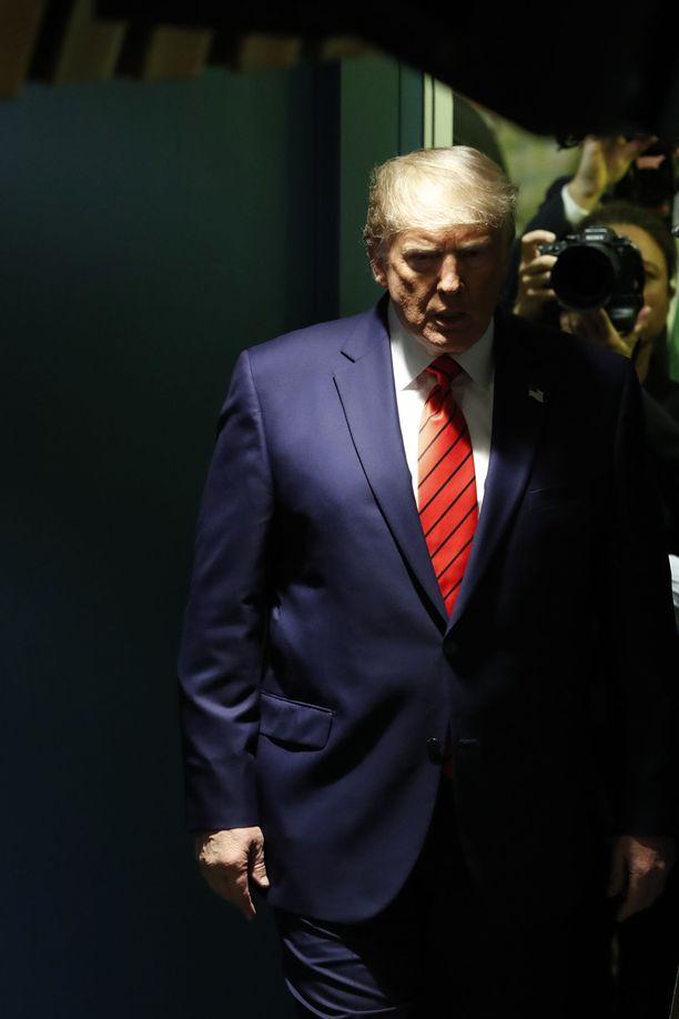 Trump on käynyt aktiiviseen hyökkäykseen politisoidakseen virka-aseman väärinkäyttöä koskevat epäilyt.