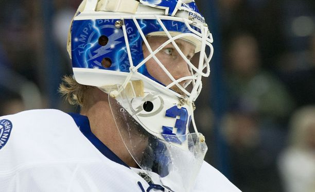 Anders Lindbäck edusti NHL-urallaan Nashvillea, Tampa Bayta, Dallasia, Buffaloa ja Arizonaa.