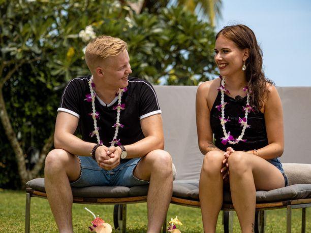 Temptation Island Suomen kuudennelle kaudelle osallistuneet Josefin, 21, ja Leevi, 20, eivät ole enää yhdessä. Parisuhde kesti 1,5 vuotta.