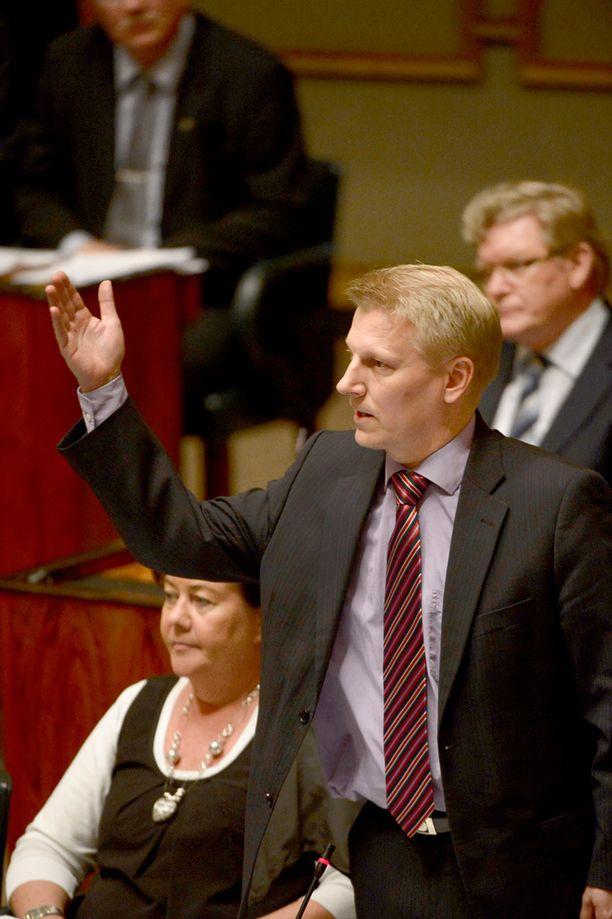 Keskustan on valmistauduttava ennenaikaisiin vaaleihin, sanoo Tiilikainen.