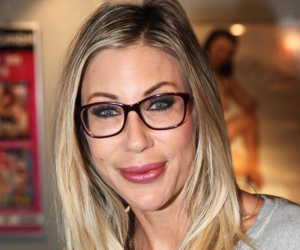 Puma Swede -nimellä tunnettu Johanna Jussinniemi on Aftonbladetin mukaan opiskelemassa seksuaalineuvojaksi. Arkistokuva Jussinniemestä.
