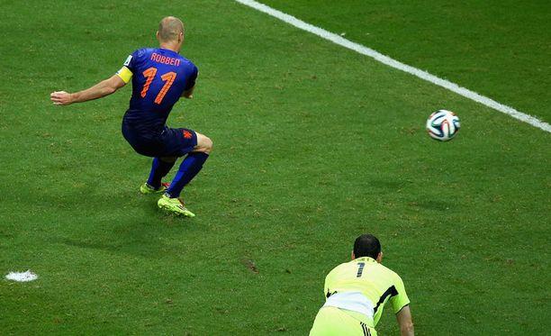 Arjen Robbenin (vas.) 5-1-maali toi hienon vedonlyöntivoiton espanjalaismiehelle.