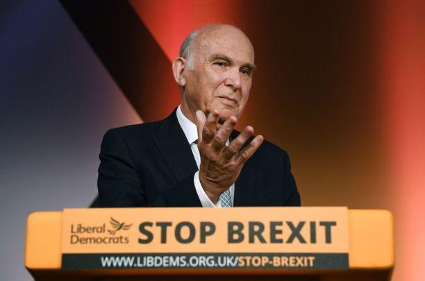 Liberaalidemokraattien selvästi brexit-vastainen viesti palkittiin uurnilla 14:llä uudella europarlamentaarikkopaikalla ja kannatuksen 13,4 prosenttiyksikön kasvulla. Kuvassa puheenjohtaja Vince Cable.