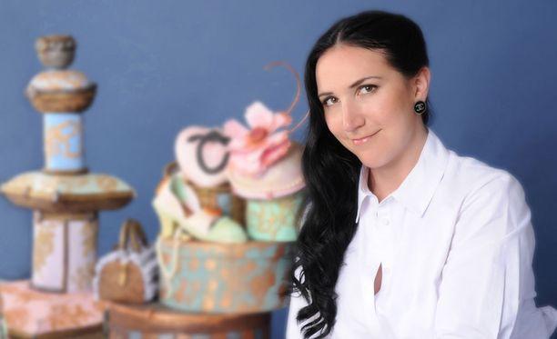 Debbie Wingham sai erikoisen toimeksiannon. Kakku vaati 1000 työtuntia.