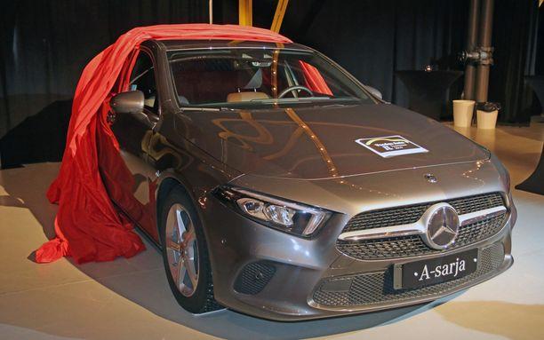 A-sarjan Mercedes poimi Focuksen rinnalla tittelin pienten ja keskikokoisten perheautojen sarjasta.