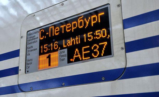 Helsingistä Pietariin liikennöivistä junista kolme neljästä on tänään peruttu.