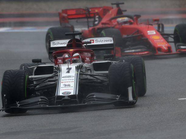 Kimi Räikkönen piti Sebastian Vetteliä Saksan GP:ssä takanaan pitkät pätkät.