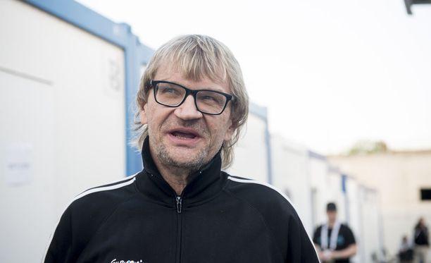 Antero Mertaranta palaa jalkapalloselostajaksi.