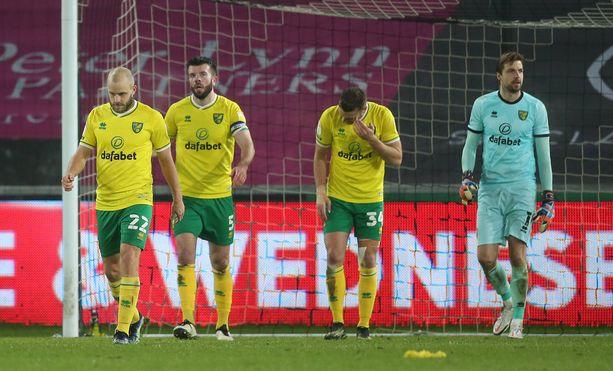 Norwich koki kirvelevän tappion Mestaruussarjan huippupelissä.