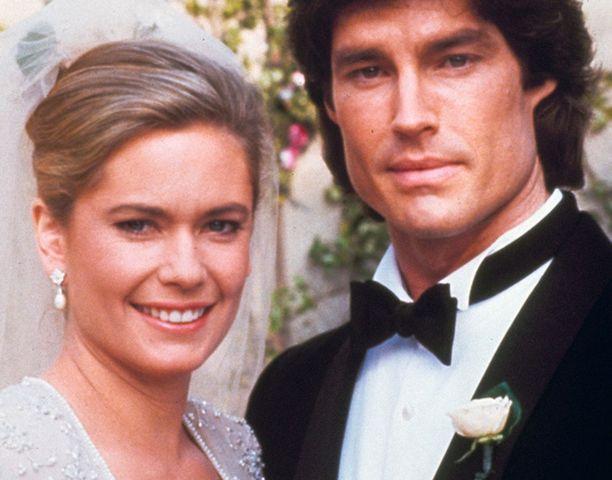 Joanna Johnson on näytellyt Kauniit ja rohkeat -sarjassa kaksossisaruksia.
