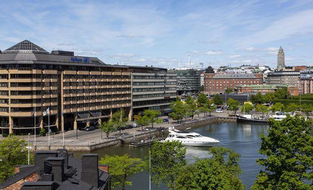 Yhdysvaltojen ja Venäjän presidenttien huippukokous Helsingissä heinäkuussa aiheuttaa mittavia erikoisjärjestelyitä pääkaupungin hotelleissa. Kuvituskuva Helsingin Hakaniemestä.
