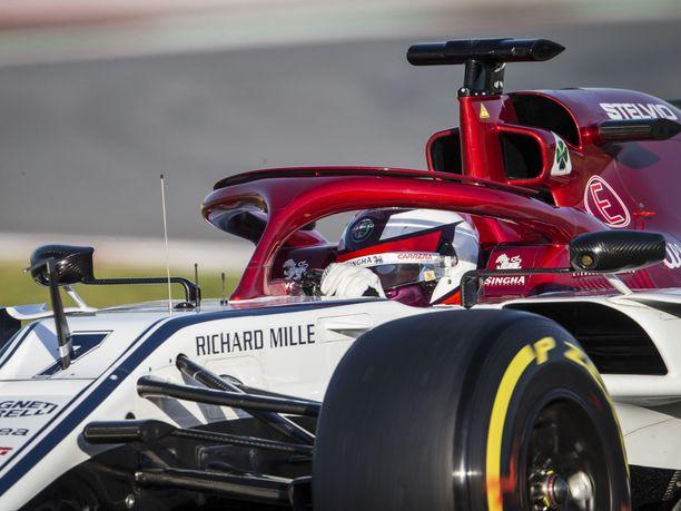 Kimi Räikkönen oli tyytyväinen Alfa Romeon uuteen autoon testien ensimmäisellä viikolla.