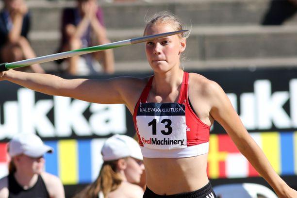 Saga Vanninen sinetöi EM-kultansa voittamalla seitsenottelun keihäänheiton.